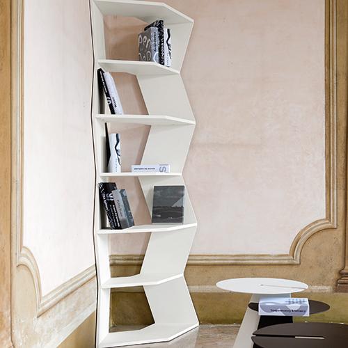Possono essere utilizzati singolarmente, a comporre un semicerchio oppure una colonna. I moduli della libreria Zig Zag di B-Line sono estremamente versatili