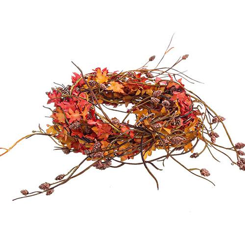Lasciarsi ispirare dalla natura trasformando semi, fiori, foglie, legnetti e ramoscelli in una ghirlanda da appendere alla porta (in vendita su www.dalani.it)