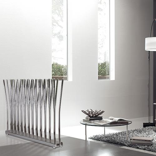 Il radiatore scultura: un tipico esempio di come i termosifoni non siano più semplici elementi funzionali è Bambù di Deltacalor, il radiatore che si prende la scena con il suo carattere scultoreo, ottenuto attraverso il gioco di linee formato dagli elementi