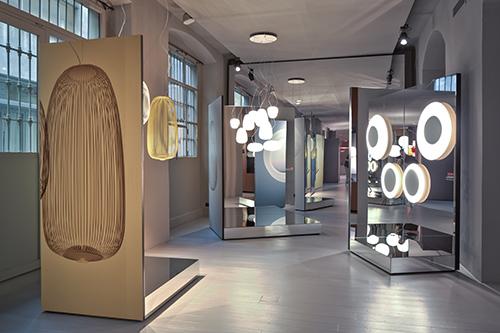 Il progetto porta la firma del designer Ferruccio Laviani e del fotografo Massimo Gardone