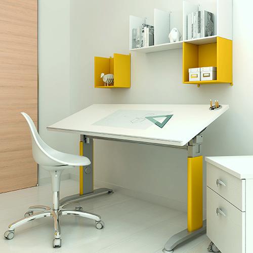 La scrivania di Moretti Compact è dotata di supporti regolabili in altezza e in larghezza, in modo da assecondare la crescita del bambino