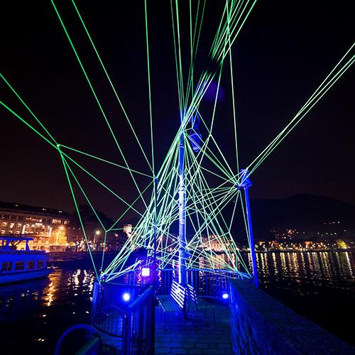 L'installazione di Tom Dekyvere al Molo di Viale Geno. A seguire altre immagini (foto  Andrea Butti)