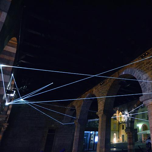 Traiettorie orbitali di Carlo Bernardini al Palazzo del Broletto. A seguire altre immagini (foto Carlo Bernardini)