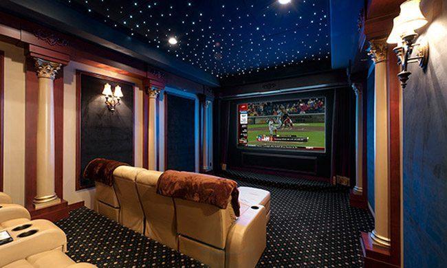 8. La casa con Home Theater JBL e soffitto stellato