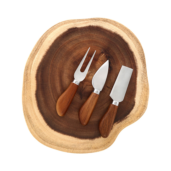 Tagliere Kasanova con 3 coltelli per formaggio, 22,90 euro