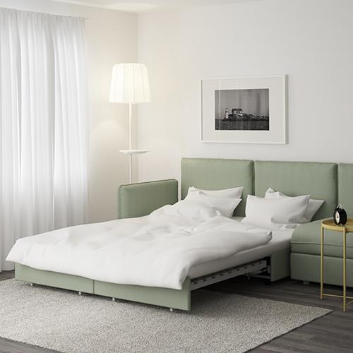 La serie Vallentuna di Ikea è composta da elementi indipendenti che si possono combinare a proprio piacere. A disposizione anche le seduta che si trasformare facilmente in un letto