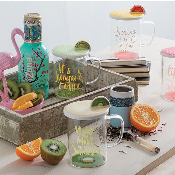 Le mug Relax time di Tognana sono perfette per bere una tisana o una centrifuga. Disponibili in quattro motivi: kiwi, arancia, anguria e limone