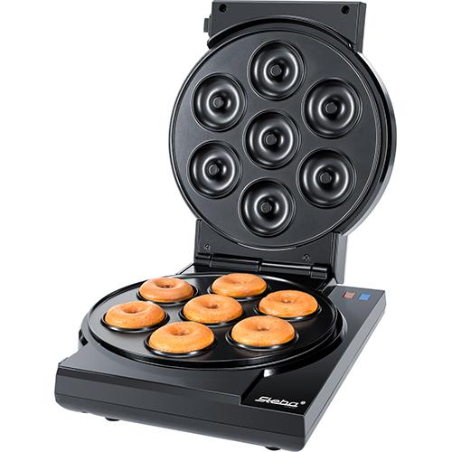 Cake Maker 3 in 1 di Steba si caratterizza per piastre antiaderenti facili da rimuovere che permettono di cucinare cake pops, muffins e donuts (distribuito da Schoenhuber 87,80 euro)