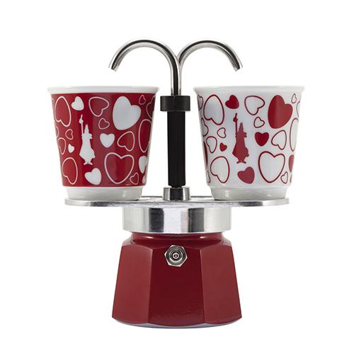 Anche il rito del caffè diventa romantico. Mini Express è la caffettiera di Bialetti per gli appuntamenti a due