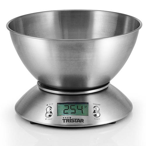 Da Tristar KW-2436, la bilancia da cucina in acciaio inox con display digitale sul quale si visualizza con la massima precisione il peso degli alimenti, ma anche la temperatura presente nell'ambiente e l'ora (29,90 euro)