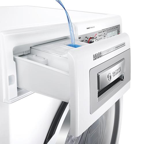 Bucato perfetto e senza sprechi di detersivo: la lavatrice Bosch con tecnologia i-DOS si caratterizza per il dosaggio automatico e preciso del detergente liquido. Inoltre, i suoi sensori integrati sono in grado di rilevare la tipologia di tessuto, misurare il volume di carico, riconoscere il grado di sporco del bucato e la durezza dell'acqua. Si stima così un risparmio di 7.062 litri di acqua e 11 litri di detersivo all'anno