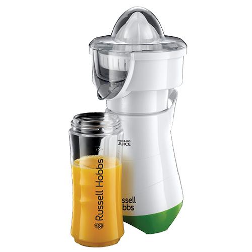 """<em>Mix&Go Juice </em>di <a href=""""http://it.russellhobbs.com/"""">Russell Hobbs </a> è il frullatore compatto che diventa anche spremiagrumi. Spremute appena fatte o golosi frullati di frutta fresca si possono portare subito con sé grazie alle due bottigliette da passeggio incluse (60 euro)"""
