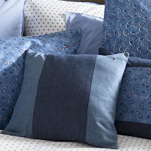 Arredare con il denim: l'intramontabile tessuto veste anche la casa
