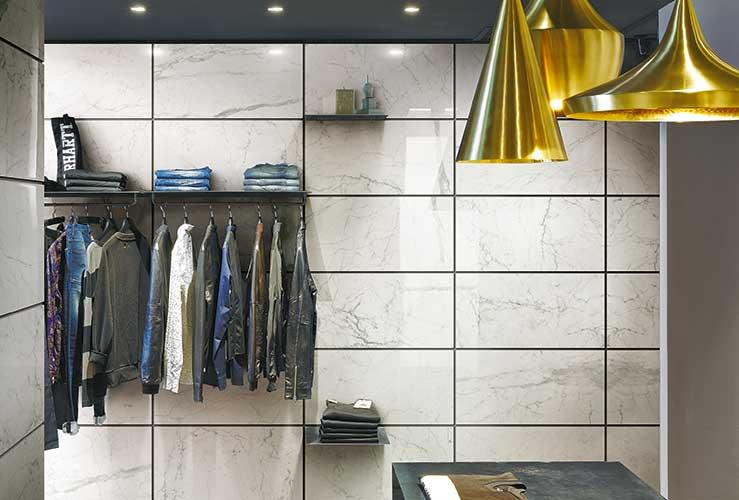 """La collezione Antique Marble di Cerim, marchio di <a href=""""http://www.florim.it/it"""">Florim Ceramiche</a>, interpreta il marmo e le pietre naturali in differenti finiture, formati e variazioni cromatiche"""