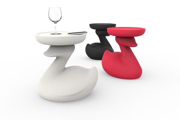 L'ironico tavolino Theduck di Bonaldo è disponibile anche nella versione Light, illuminata con batteria ricaricabile per l'outdoor