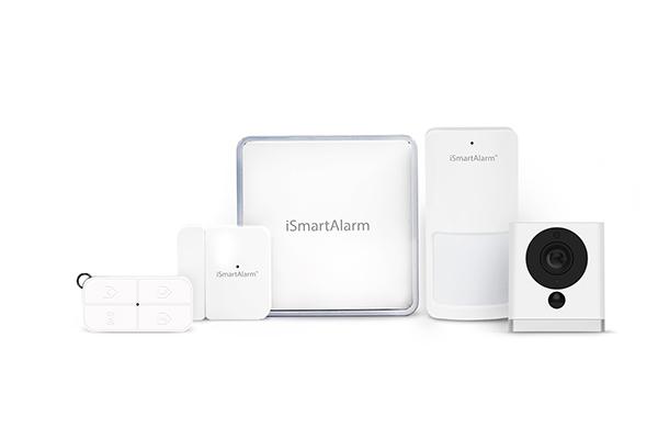 Essential pack è il sistema di sicurezza domestico wireless di iSmart Alarm (www.ismartalarm.com). Può essere gestito tramite la comoda app su smartphone (disponibile per iOS e Android). Il kit è composto da: una videocamera, un hub centrale, un sensore di contatto per porte/finestre, un sensore di movimento, un telecomando