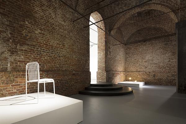 """HORNU (Bruxelles), <em>Centre d'innovation et de design -</em> Fino al primo ottobre il CID ospita <em>Nendo: contorni invisibili</em>, la prima retrospettiva in Europa dedicata aOki Sato, fondatore dello studio Nendo. In mostra circa 200 lavori.<em><a href=""""http://www.cid-grand-hornu.be"""">www.cid-grand-hornu.be</a></em>"""