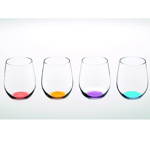 Riedel dedica la colorata collezione <em>Happy O</em> al tumbler, il tipico bicchiere usato principalmente per preparare e servire i cocktail (confezione da 4 bicchieri 42 euro)