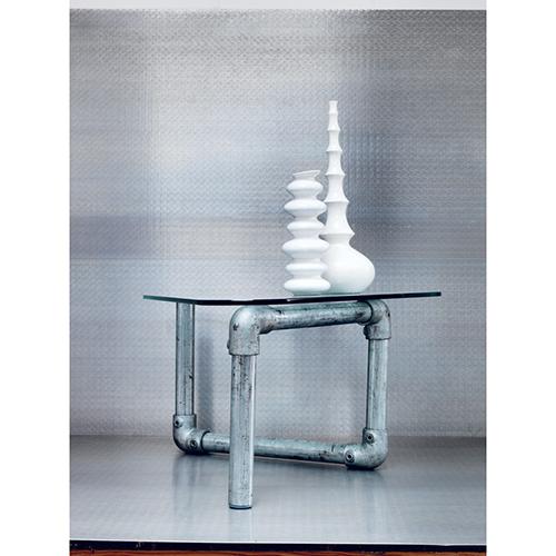 I tubi per i ponteggi  diventano un tavolino