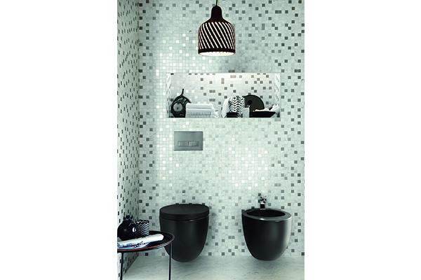 La collezione Bistrot di Ragno si distingue per la combinazione di diverse materie ed elementi decorativi che consentono di creare suggestive composizioni come maioliche, cementine, pietre, marmi e legni