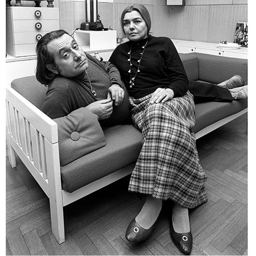 <em>Gli anni con Fernanda </em> - Sottsass con la prima moglie Fernanda Pivano, sposata nel 1949. Un matrimonio tempestoso durato comunque oltre un quarto di secolo