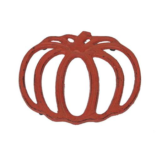 Il sottopentola di Novità Home si ispira alla forma e al colore della zucca (12,20 euro)