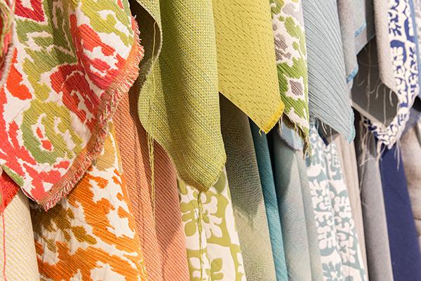 L'obiettivo di Janus et Cie è quello di creare prodotti belli e funzionali che durino nel tempo; i tessuti sono realizzati attraverso metodi consapevoli e materiali sostenibili