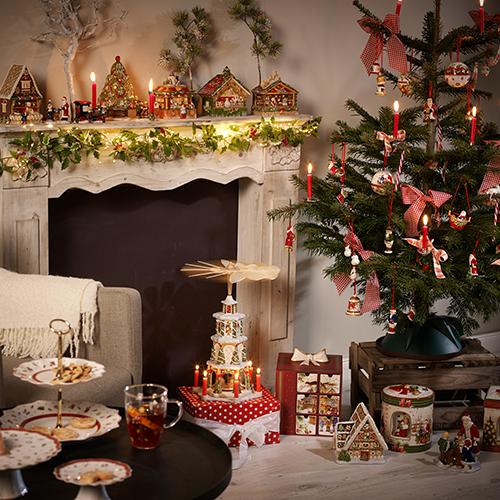 """Il rosso tiene testa alle nuove mode specie se impiegato per esaltare lo stile tradizionale. <a href=""""http://www.villeroy-boch.it/"""">Villeroy & Boch</a> racconta il magico mondo del Natale con paesaggi e personaggi da fiaba"""