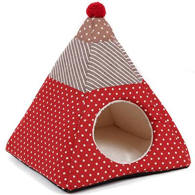 """Per i cani di casa il Natale è morbido e accogliente grazie alla cuccia con pelliccia di <a href=""""http://www.ferribiella.it/it/"""">Ferribiella</a>. Prezzo 30 euro"""