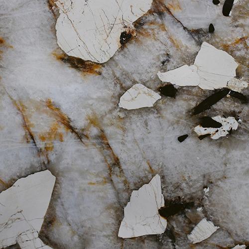 """<a href=""""http://www.antolini.com/it-home/"""">Antolini</a>, azienda specializzata nello sviluppo della lavorazione delle pietre naturali, presenta al pubblico tedesco  <em>Patagonia</em>"""