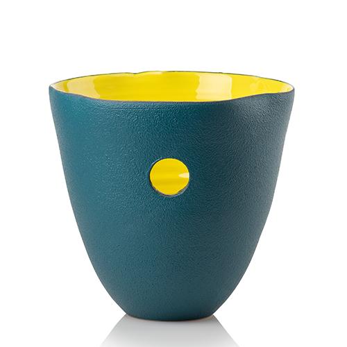 Eva Mun, il nuovo brand di vasi e ciotole realizzati dai ceramisti toscani su disegno di Eva Munarin