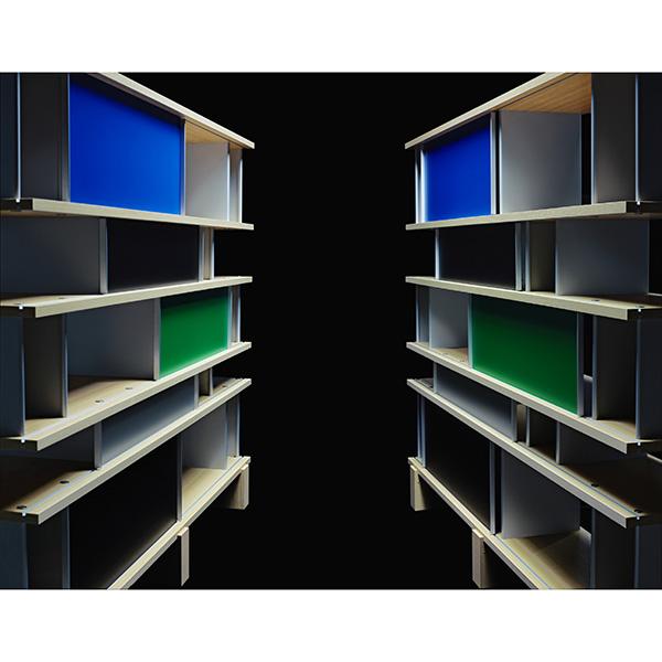 La libreria <em>Nuage<em> di Charlotte Perriand (photo by Karl Lagerfeld)