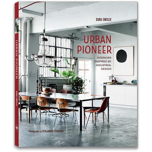 """La cover di<a href=""""https://www.libri.it/urban-pioneer""""><em>Urban Pioneer-Spazi industriali convertiti in residenze urbane</em></a>di Sara Emslie (Logos, 160 pp, 17 euro)"""
