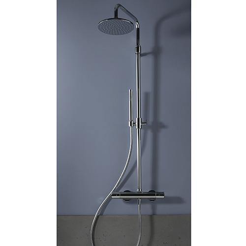 """Preferire la doccia al bagno. Il misceltore<em>Mast</em> di <a href=""""http://www.fimacf.com/"""">FIMA Carlo Frattini</a>si caratterizza per la specialecartuccia WSC (Water Saving Cartridge) che permette un risparmio di acqua grazie alla resistenza in apertura della leva che al primo scatto eroga acqua fredda in quantità ridotta. Per avere un flusso d'acqua maggiore bisogna aprirecompletamente la leva"""