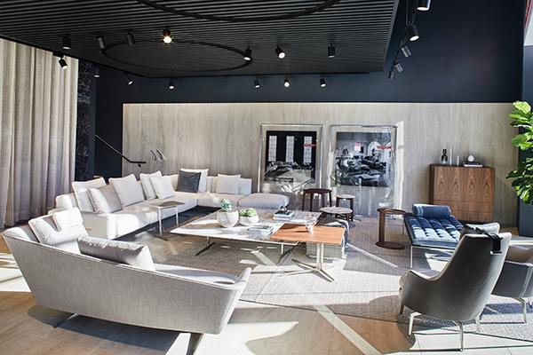 Il flagship store di Los Angeles occupa una superficie di 400 metri quadrati disposti su due livelli