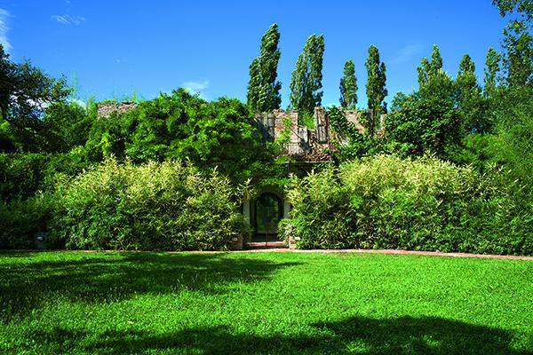Il giardino privato di Franco Maria Ricci, vicino Parma (foto Marco Campanini)