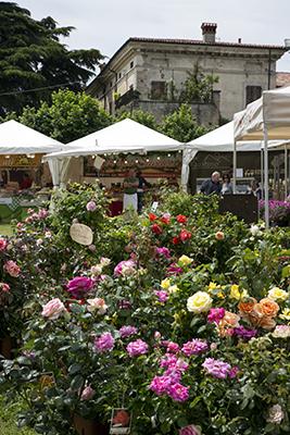 Palazzo Ambrosini Battista è uno degli spazi coinvolti per Franciacorta in fiore che quest'anno festeggia la sua ventesima edizione (dal 18 al 20 maggio)