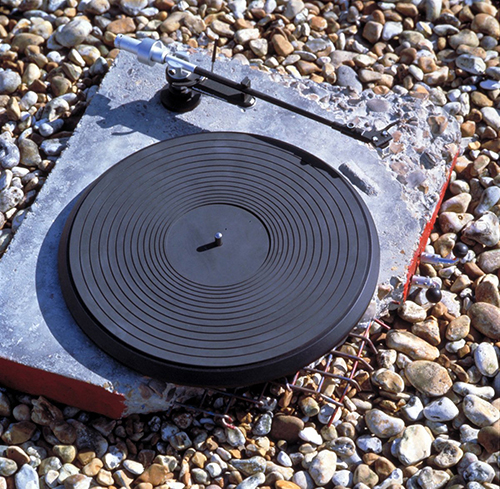 Concrete Stereo (1983) Courtesy Ron Arad Associates