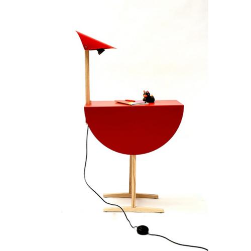 """Ostrich, in italiano """"struzzo"""", è la consolle con luce integrata di Mario Tsai per Valsecchi 1918. La lampada può essere posizionata a piacere grazie alla sua base con calamita (290 euro)"""