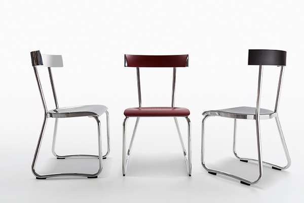 Disegnata nel 1935 per il primo Palazzo Montecatini di Milano, la sedia Montecatini è realizzata completamente in alluminio lucidato oppure con sedile e schienale rivestiti in cuoio. Della Heritage Collection di Molteni&C