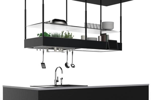 Come suggerisce il nome, <em>Spazio</em> è la cappa di Falmec che aiuta a conquistare preziosi centimetri in cucina. L'elettrodomestico integra non solo mensole e diversi accessori, ma cela anche un piccolo orto domestico