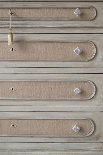 Questa fibra naturale, in versione raffinata, è un ottimo materiale da utilizzare anche per il restauro di vecchi mobili