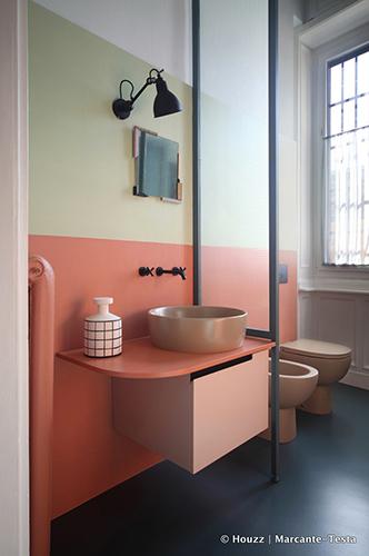 Pareti bicolori -  Dipingere utilizzando due tonalità non è solo un'idea per arredare con stile e personalità, ma anche una tecnica per modificare l'aspetto dimensionale dello spazio