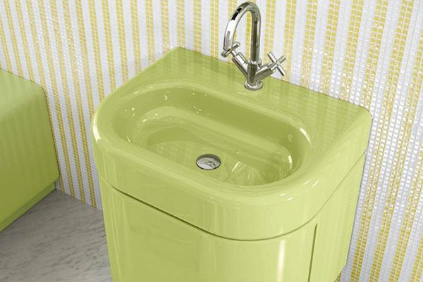 """India Mahdavi sceglie il verde pistacchio per il lavandino <em>Splash</em>creato in collaborazione con<a href=""""https://www.bisazza.it/it/prodotti/bagno-home"""" target=""""_blank"""" rel=""""nofollow external noopener noreferrer"""" data-wpel-link=""""external"""">Bisazza Bagno.</a>Fa parte della nuova The Mahdavi Collection"""