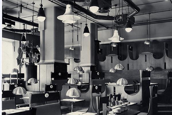 Negli anni Sessanta a Milano Achille e Pier Giacomo hanno disegnato il ristorante–birreria Splügen Bräu Bar di Corso Europa (demolito vent'anni dopo) con Max Huber, curatore dell'immagine del locale