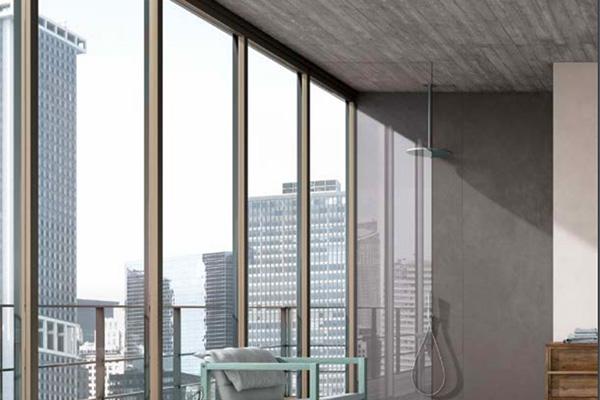 """<em>Cement Project</em> di <a href=""""http://www.cottodeste.it"""">Cotto D'este</a>, qui nella finitura <em>Work</em>, si ispira ai tradizionali casseri lignei realizzati dai carpentieri per le costruzioni in cemento armato. Qui è proposto  sul soffitto donando ancor più l'atmosfera speciale degli edifici metropolitani"""