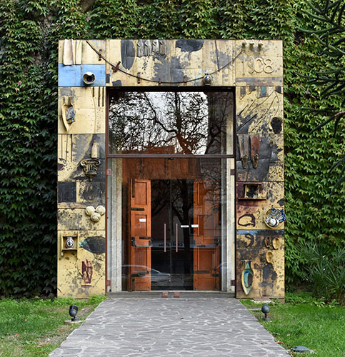 Facciata esterna del Museo Internazionale delle Ceramiche di Faenza