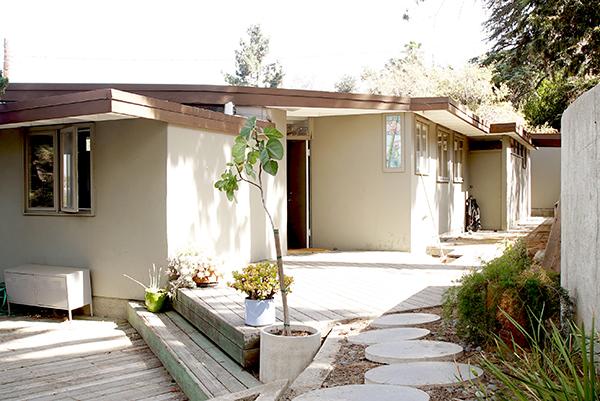 """Los Angeles, California, Stati Uniti - <em>Southall Studio </em>di Rudolph Schindler.Peraffittarla su Airbnb cliccare <a href=""""https://www.airbnb.it/rooms/9845703"""">qui</a> (foto Airbnb)"""
