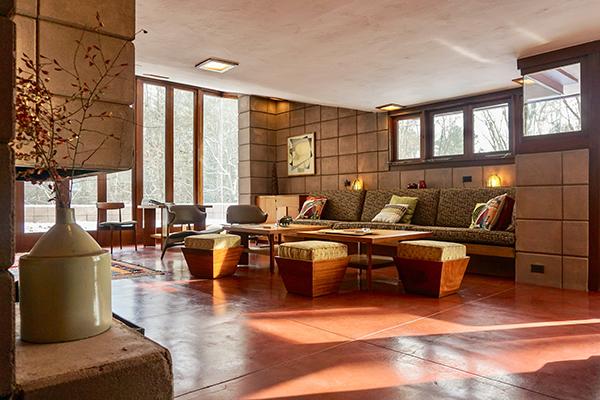 """Galesburg, Michigan, Stati Uniti -<em> The Eppstein House</em> di Frank Lloyd Wright.Peraffittarla su Airbnb cliccare <a href=""""https://www.airbnb.com/rooms/16024637"""">qui</a> (foto Airbnb)"""