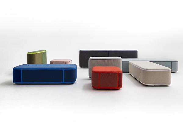 """Al Design Post (a pochi passi dalla fiera) <a href=""""http://moroso.it/?lang=it"""">Moroso</a> presenta al pubblico tedesco alcune novità come il nuovo sistema di sedute modulari <em>Tape</em> di Benjamin Hubert"""